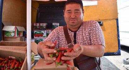 Базару нет! Аномальная жара и дефицит покупателей вызвали затишье на рынках Бишкека