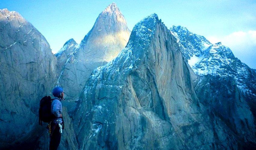 В горах Баткенского края есть вершины, манящие к себе альпинистов со всего мира. Это пики Асан, Одесса и другие.