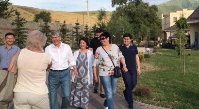 Американцы тоже наблюдают за ситуацией вокруг экс-президента Кыргызстана