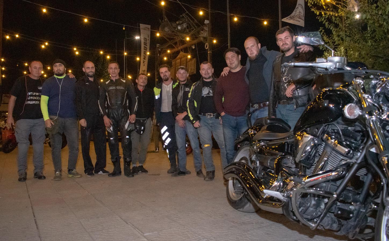 Молодые мотоциклисты Кыргызстана, увы, не слушают лекций о безопасном вождении!
