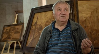 Мозаичный мир Владимира Горового открыл международный День мира в Бишкеке