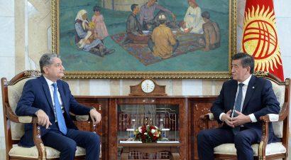 Президент С.Жээнбеков вылетел в Ереван. Тема встреч — Евразийский транзит и его перспективы