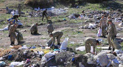 Почти 1 тысяча грузовиков мусора! Столько собрали в Кыргызстане во Всемирный день чистоты