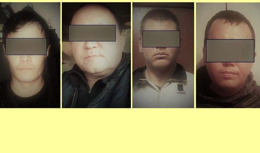 Четверо из восьми подозреваемых, задержанных по факту недавнего жестокого убийства 37-летнего бизнесмена из Китая Хуфура Абдурахмена, торговавшего на бишкекском рынке «Мадина»… Как выяснилось, двое из банды ранее работали в милиции. Тело их жертвы позднее обнаружили закопанным в Кочкорском районе Нарынской области. Дорогую иномарку Хуфура угнали, перекрасили и пытались продать, на чем преступники и поймались...