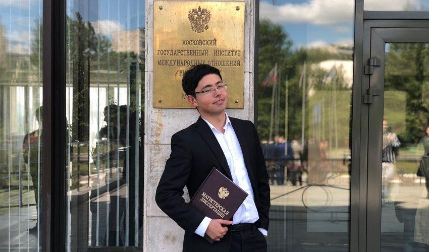 Сюрприз от сына кыргызского экс-президента Кадыра Атамбаева. Навел шороху и уехал учиться дальше…