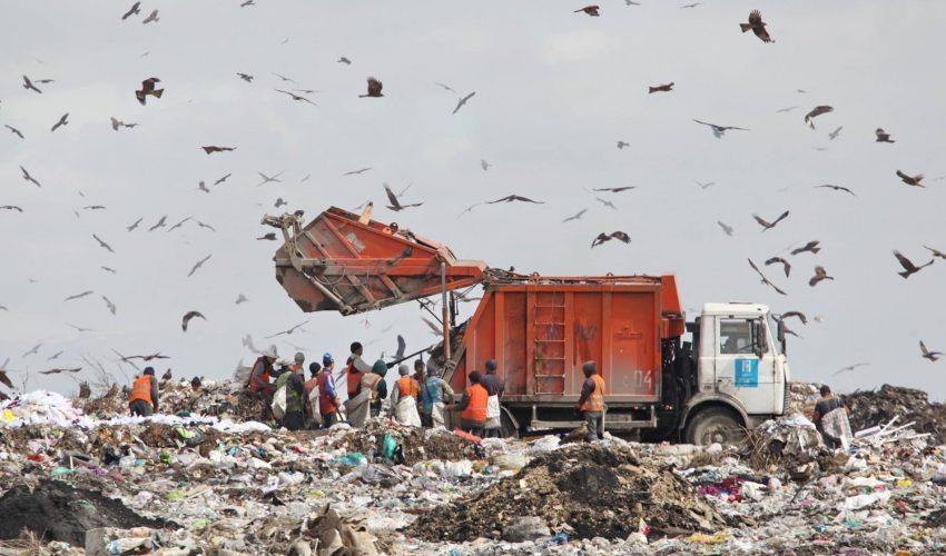 Если деньги - это мусор, то получение прибыли — собирание мусора.