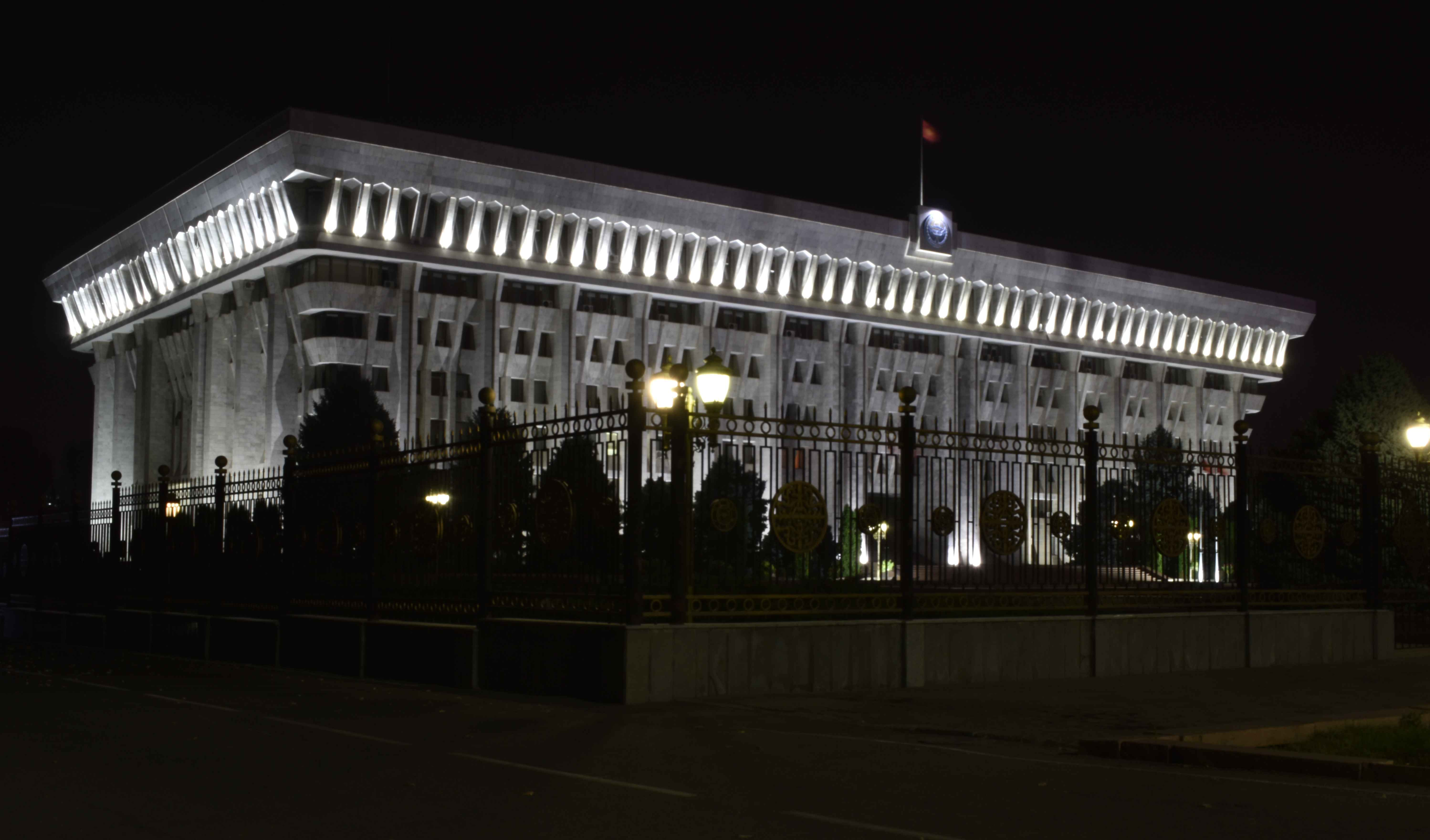 Работа членов парламентских структур, включая Комитет по экономической и фискальной политике ЖК VI созыва, иногда затягивается до глубокой ночи…