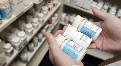 А зелёнка почем? В Кыргызстане хотят в качестве эксперимента 2 года контролировать цены в аптеках