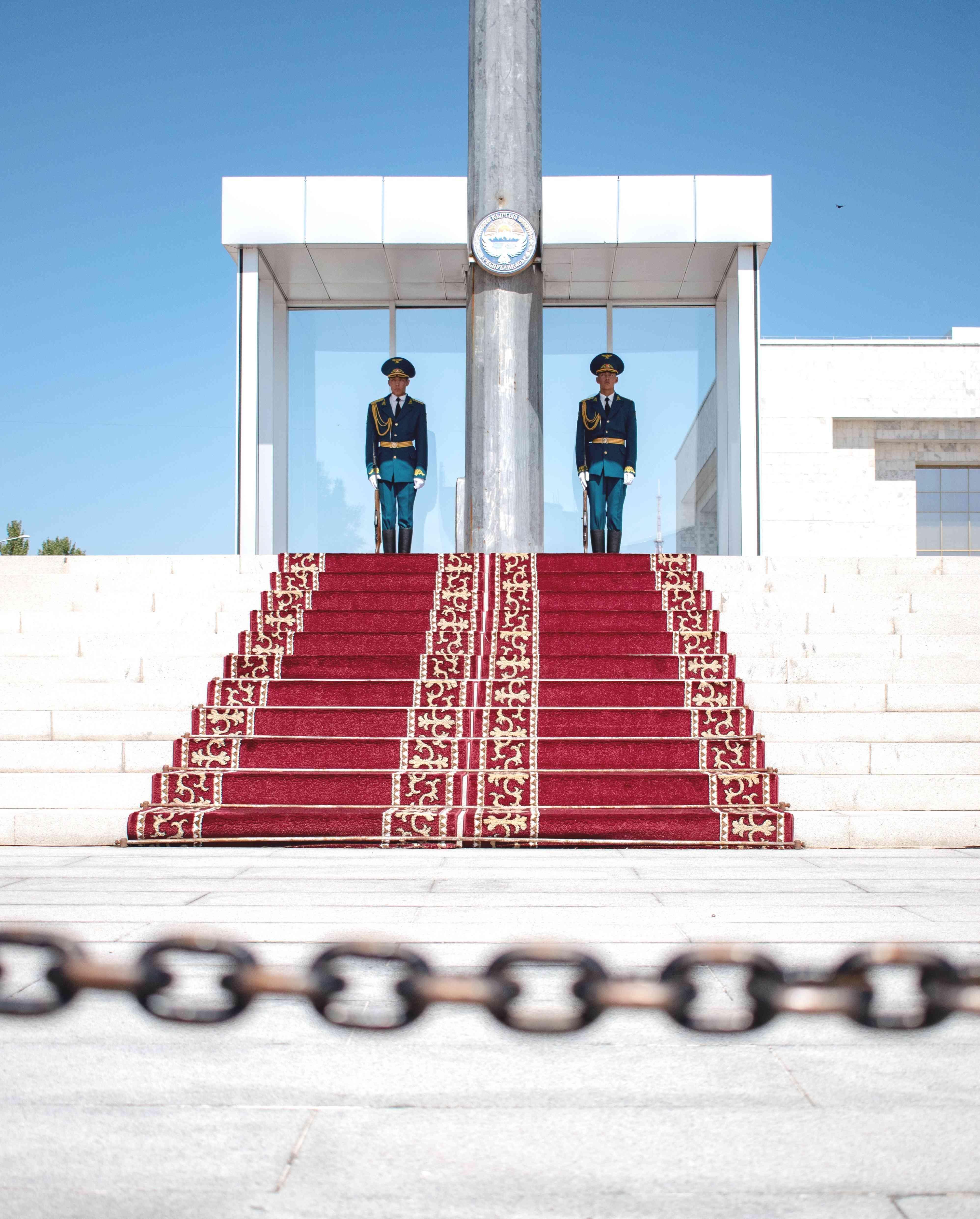 Гвозди бы делать из них! В Кыргызстане есть свои претенденты на премию World Men's Day