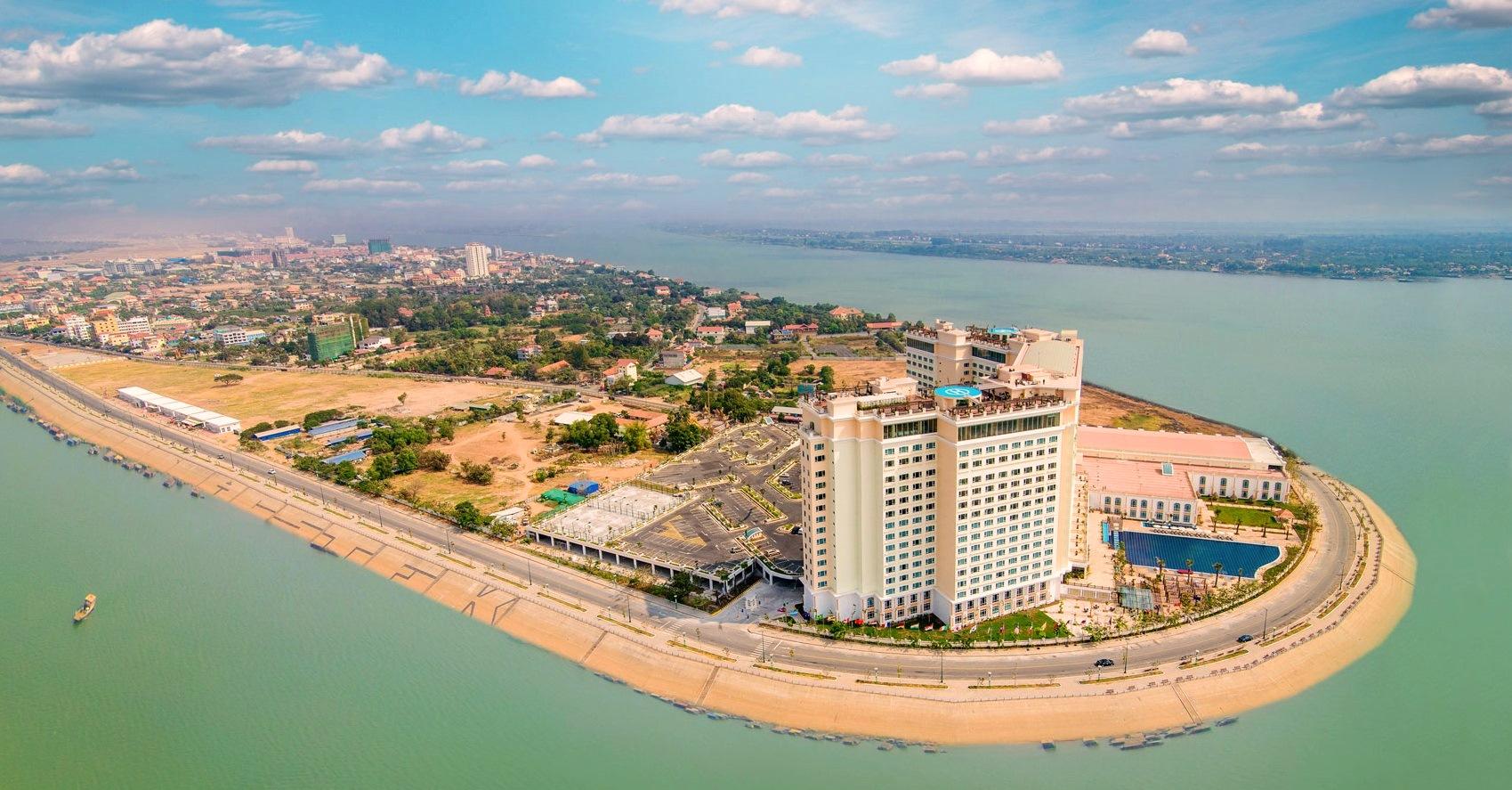 Наш постоялый двор в 5 звезд - Cokha Phnom Penh.