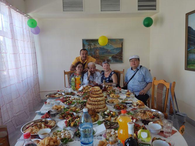 Чародей скальпеля. 85 лет Акрамову Эрнсту Хашимовичу