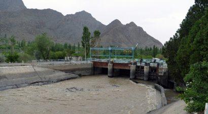 Таджикистан прекратил рыть траншеи