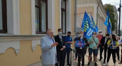 Жириновский призвал депортировать граждан Кыргызстана